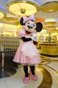 アンバサダーホテル シェフミッキー グリーティング ミニーマウス