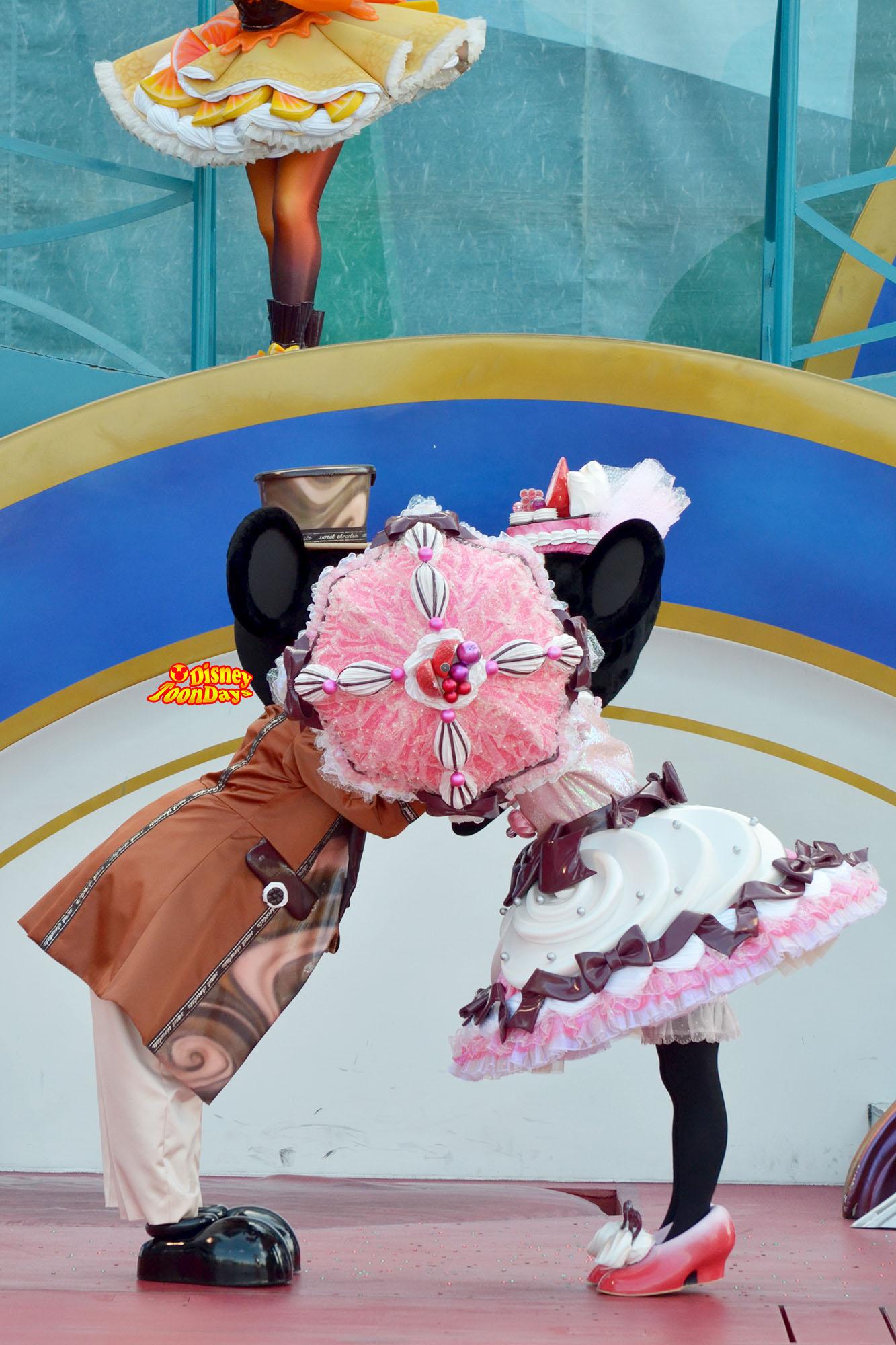 TDS アメリカンウォーターフロント ドックサイドステージ テーブルイズウェイティング ミッキーマウス ミニーマウス