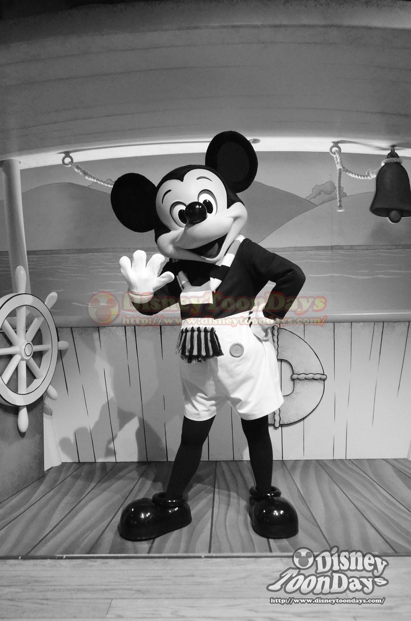 TDL トゥーンタウン ミッキーの家とミートミッキー グリーティング 蒸気船ウィリー ミッキーマウス
